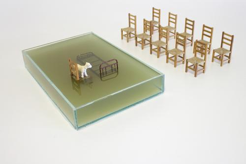 Alagamento assistido l 2014 I vidro, água, acrílica, madeira, metal, plástico I  60 x 40 x 10 cm